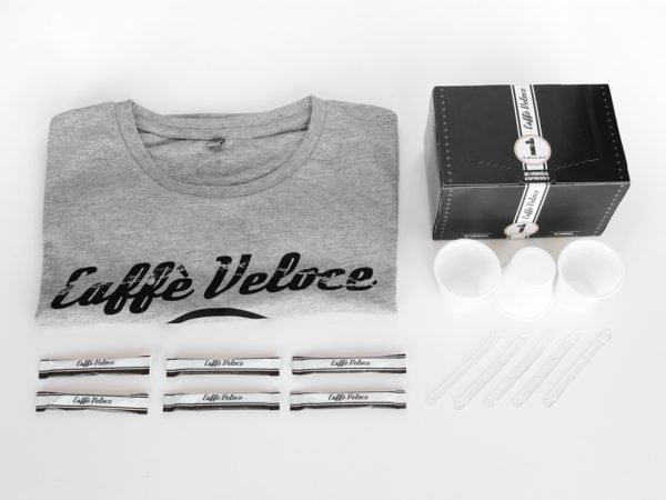 Flat Torque Morbida - capsules de café, sucre, gobelets et cuillères en plastique, t-shirt